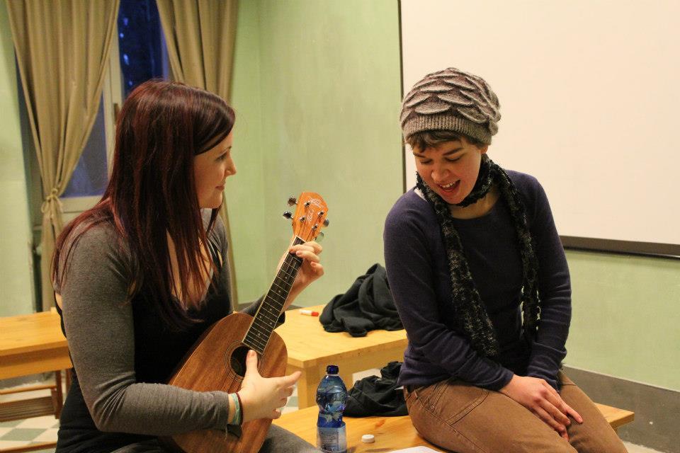MFA Students Singing with Ukulele