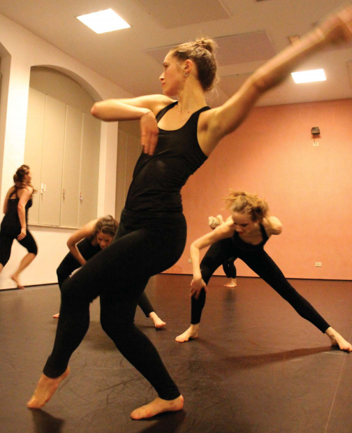 Dance_blurred arm
