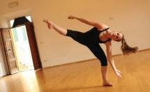 sideways lean dancer Accademia dell'Arte